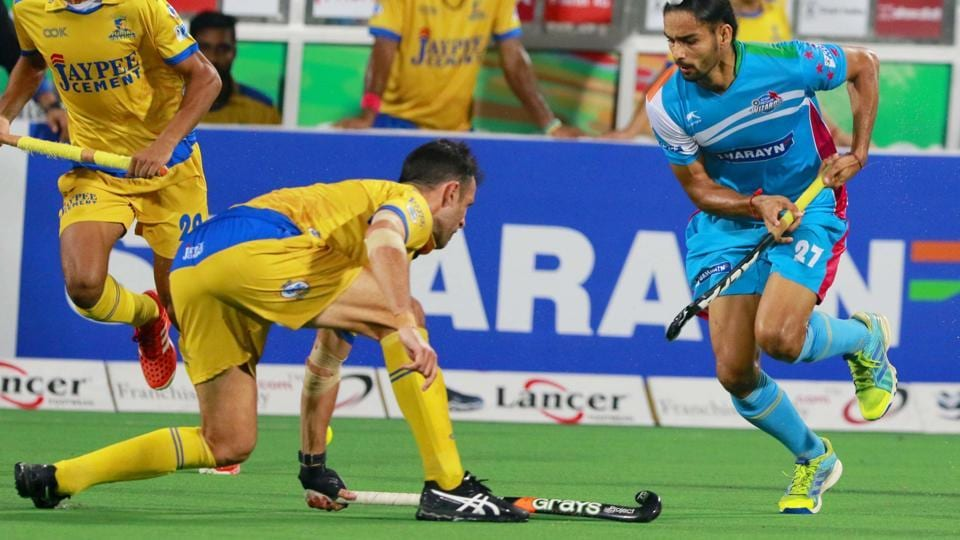 Action during the Hockey India League match between Punjab Warriors and UPWizards in New Delhi on Monday.