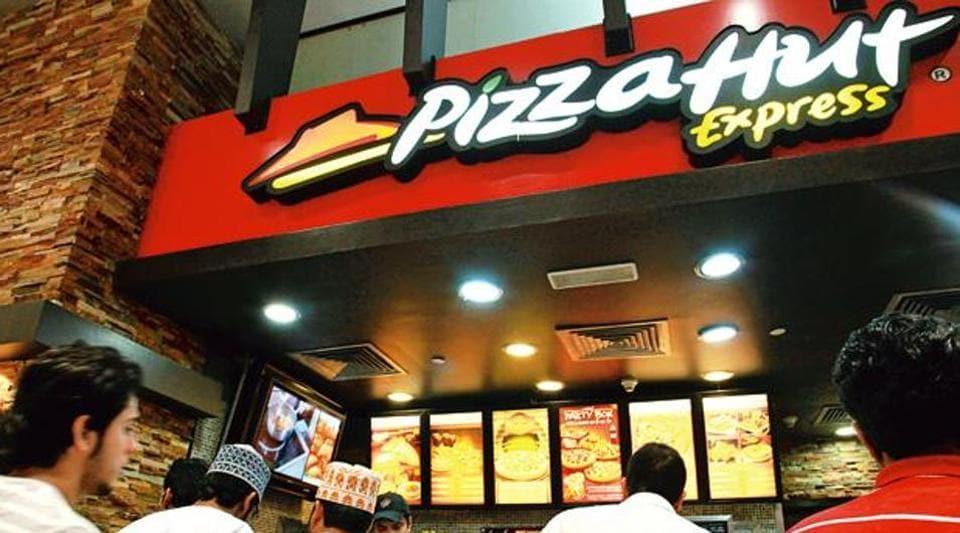 ISRO,ISRO employees,Pizza Hut
