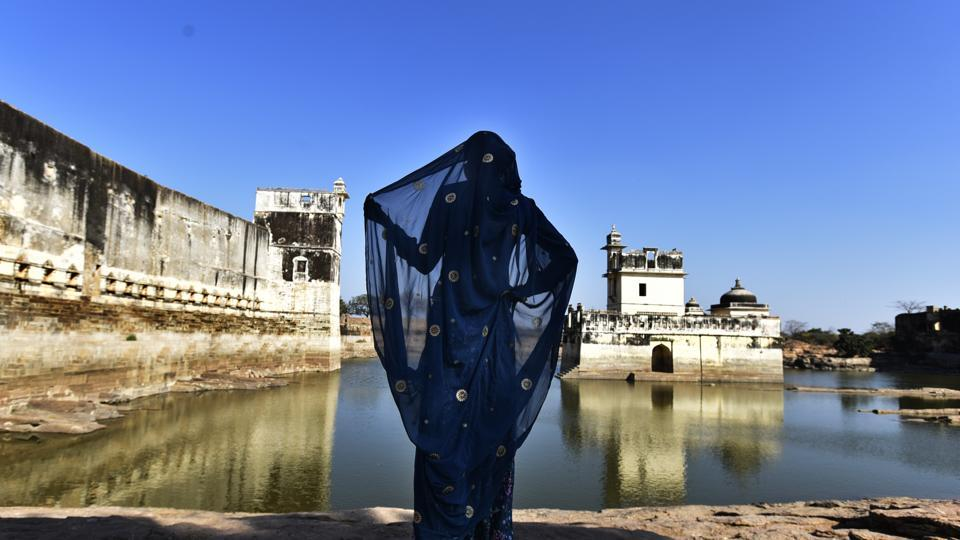 The legendary Rani Padamawati of  Chittorgarh is immortalised in many stories and myths. It is believed that the Sultan Of Delhi, Alauddin Khilji, heard of her beauty and attacked Chittor in order to obtain her.  Before Alauddin Khilji could capture Chittorgarh fort, Padmavati, also known as Padmini, and her companions committed jauhar (self-immolation) to keep her honour. (Raj aj K Raj/HT PHOTO)