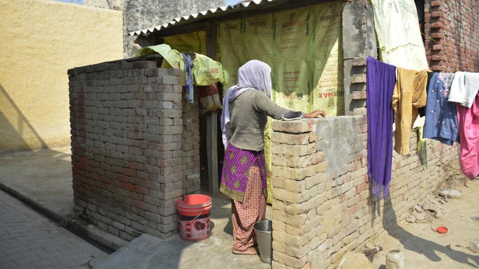 Bhojpur,Ghaziabad,urine drinking