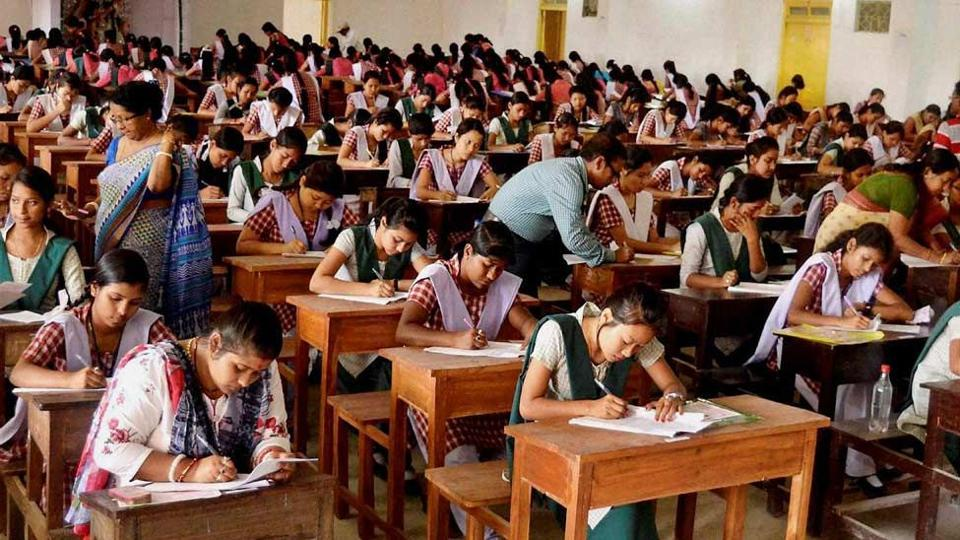 Students suffering from Type-I diabetes can now take snacks during Class X and Class XII board examinations conducted by the Central Board of Secondary Education.