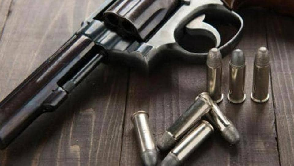Gurgaon,salesman shot dead,Bharat Gas Agency