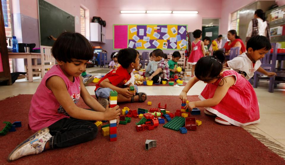 Parents who have applied for nursery admission of their wards in Delhi's 1,700 private school can check whether their applications have been accepted by the schools as per a government directive . (Ajay Aggarwal  / HT File Photo)