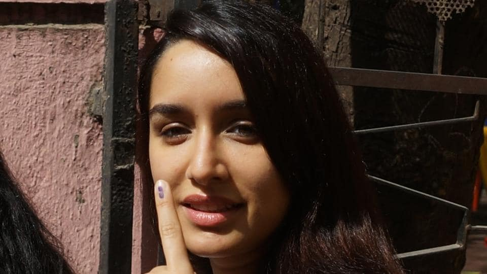 BRIGHT AND SUNNY: Actor Shraddha Kapoor flaunts her inked finger. (prodip guha/ht photo)