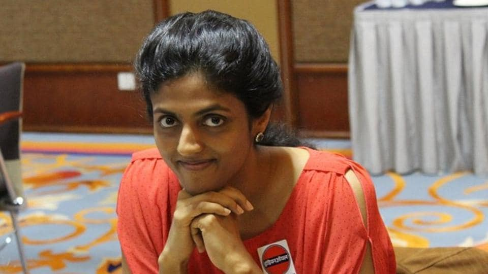 Harika Dronavalli entered the quarterfinals of the Women's World Chess championship while Padmini Rout bowed out.