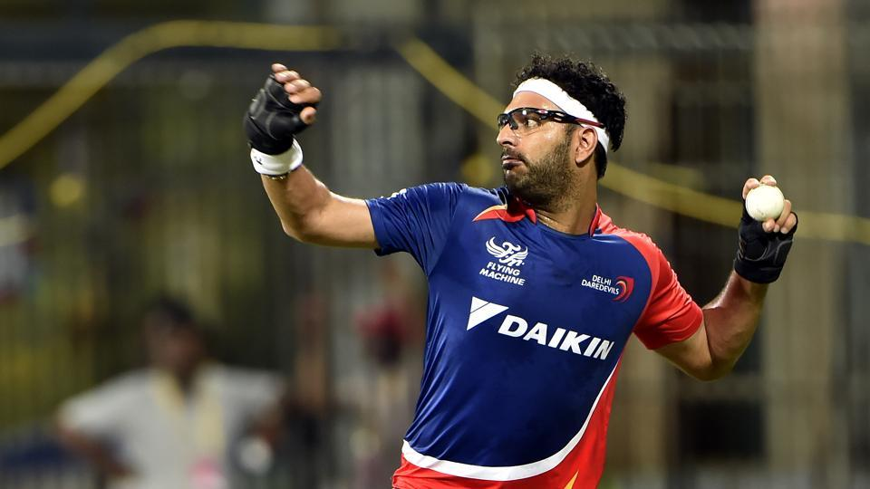 Delhi Daredevils player Yuvraj Singh during practice in 2015. He was auctioned for Rs.16 Crore. (Hindustan Times)