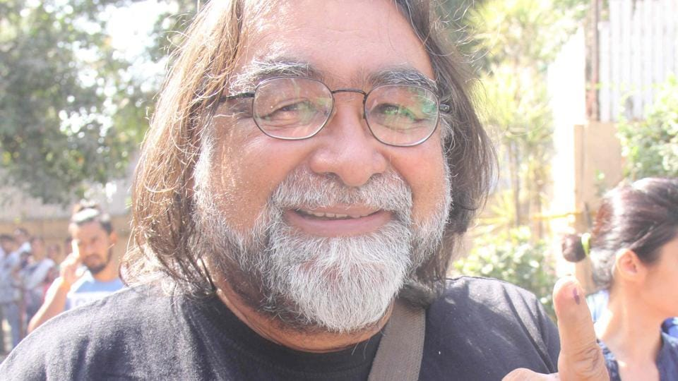 AD-DED RESPONSIBILITY:  Adman Prahlad Kakar  seems happy with the shutterbugs. (Pramod Thakur/HT PHOTO)
