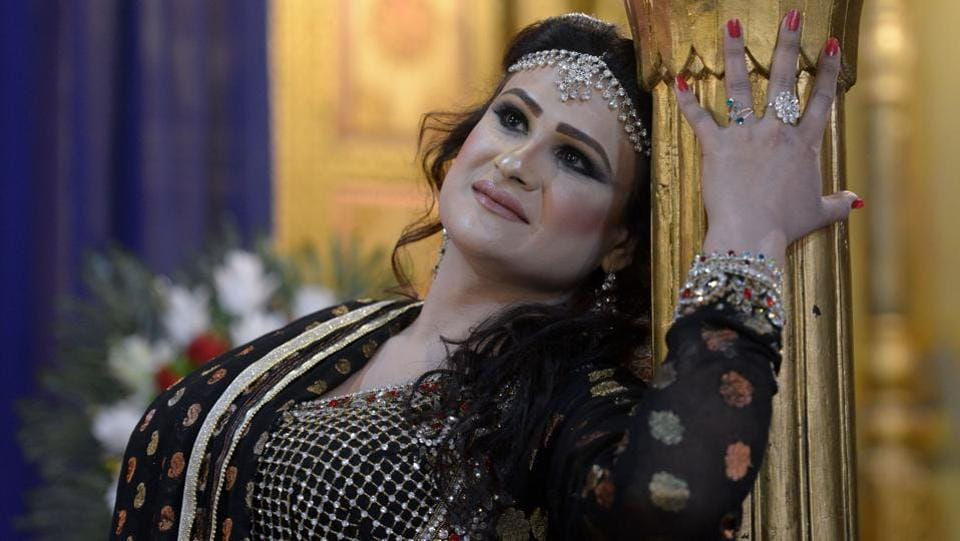 A member of the Pakistani transgender community dances at a party in Peshawar.  (Abdul MAJEED / AFP)