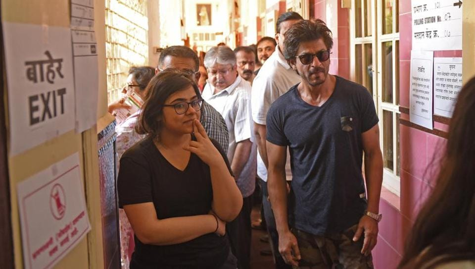 Actor Shahrukh Khan waits to cast his vote for BMC elections at a polling booth in Bandra. (Pratik Chorge/HT PHOTO)