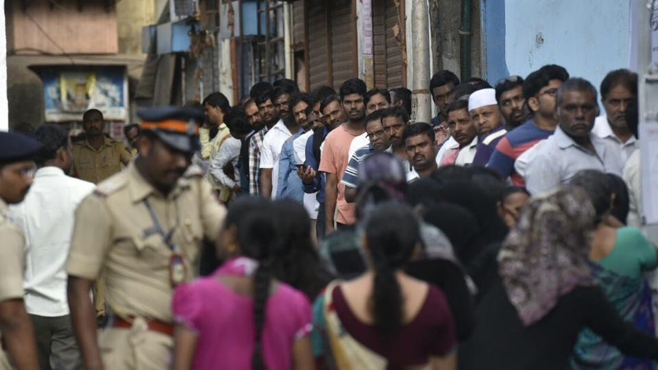 The queues got around noon. (Kunal Patil/HT PHOTO)