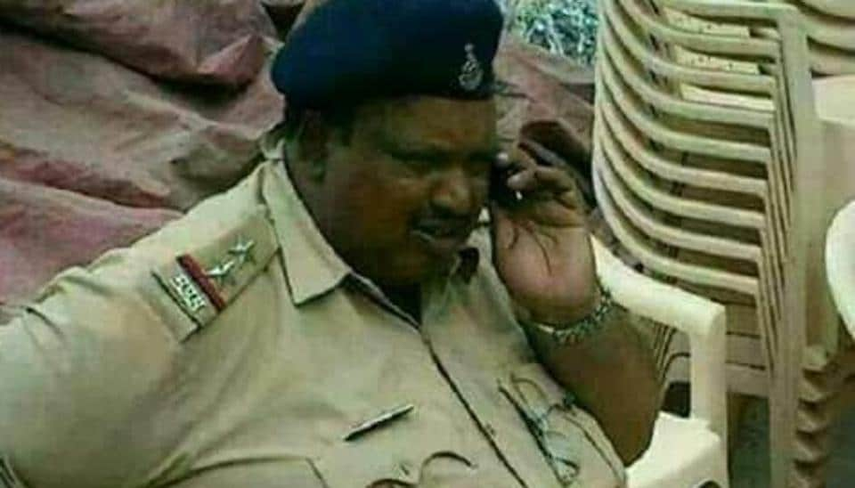 Shobhaa De posted a photograph of Daulatram Jogawat with the caption, 'heavy police bandobast in Mumbai today' but was soon panned by many users.
