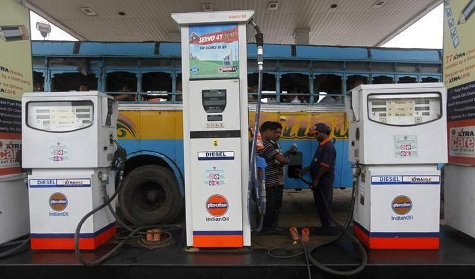 Diesel vehicles which are more than 10 years old, are not major contributors to air pollution, the Centre told the National Green Tribunal while seeking stay of its ban order in Delhi-NCR.