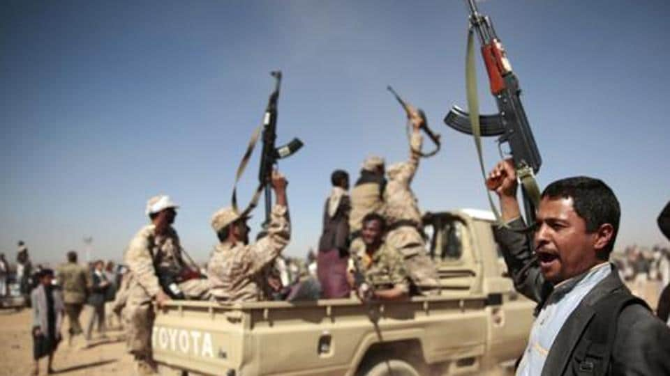 Military source: Senior Yemeni general killed in Houthi missile attack