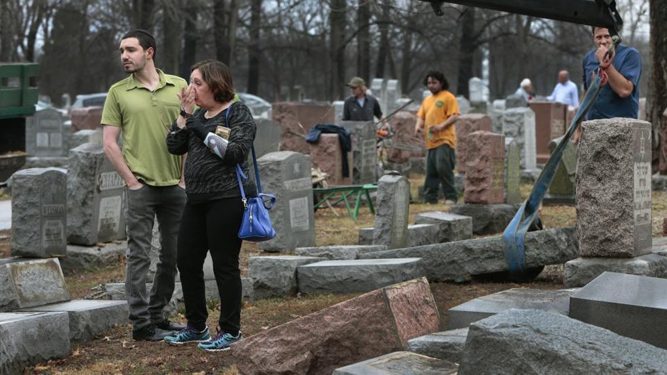 Muslim Americans,Jewish Cemetery,Anti semitism