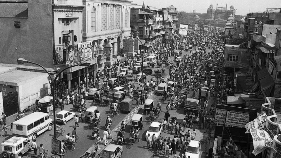 A view of main Chandni Chowk with the Red Fort in the backdrop as seen in 1992.