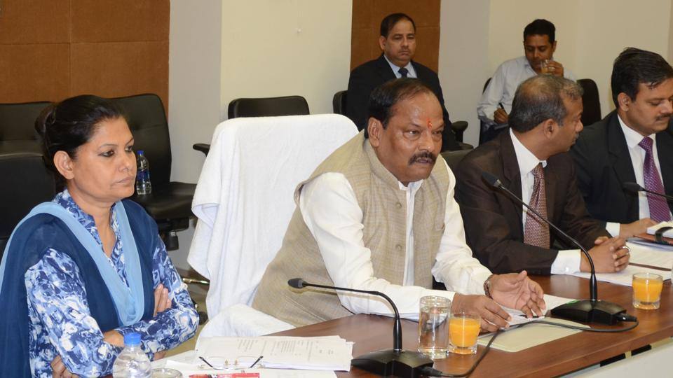 Chief Minister Raghubar Das presides over a review meeting with state officials at Project Building, Ranchi