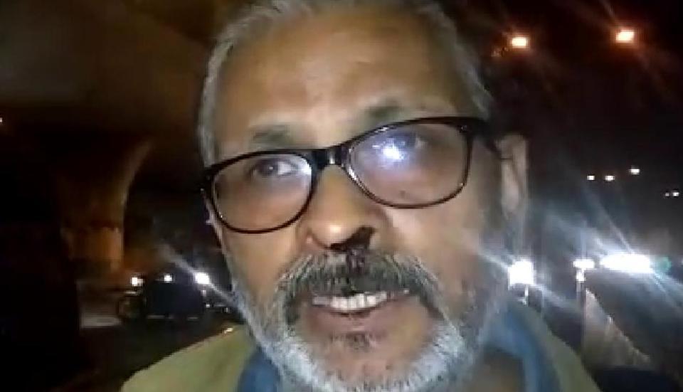 Man beaten up,Poet beaten,DTC bus conductor