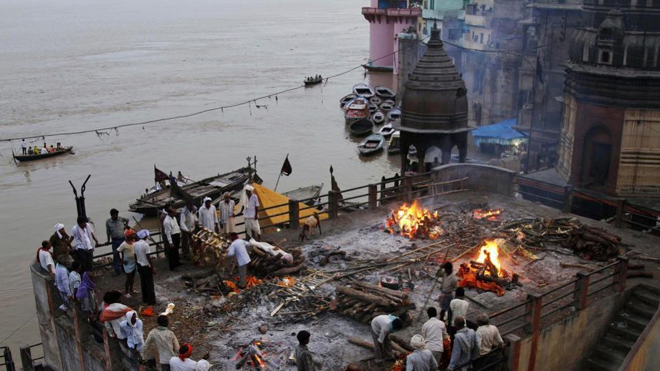The National Green Tribunal has directed inspection of Ganga flood plains to probe dumping and burning of waste after a plea alleged illegal processing of electronic waste on the banks of Ramganga in western UP.
