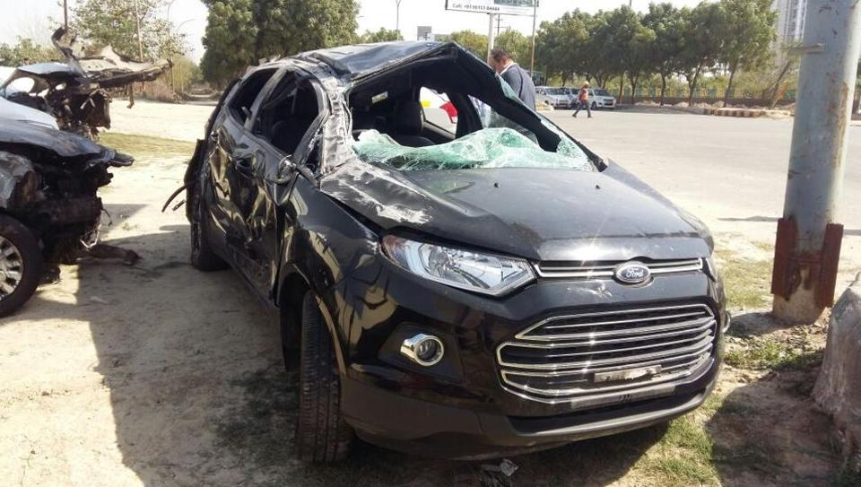 The accident took place at around 3:30 am near Sector 144 on Noida – Greater Noida Expressway.