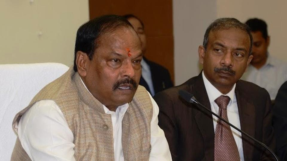 CM Raghubar Das reviews budget expenditure at Project Building Ranchi
