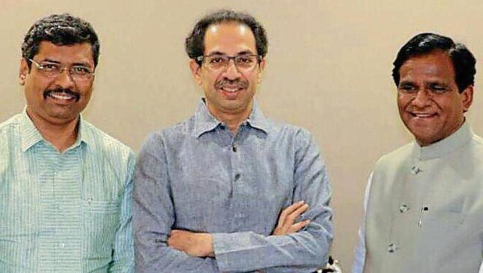 BJP and Sena leaders hinted at a cooling of tensions. State BJP president Raosaheb Danve (right) and spokesperson Keshav Upadhyaya (left) invited Sena chief Uddhav Thackeray for Danve's son's wedding.