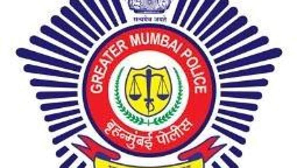 Shobhaa De,Mumbai Police,Twitter