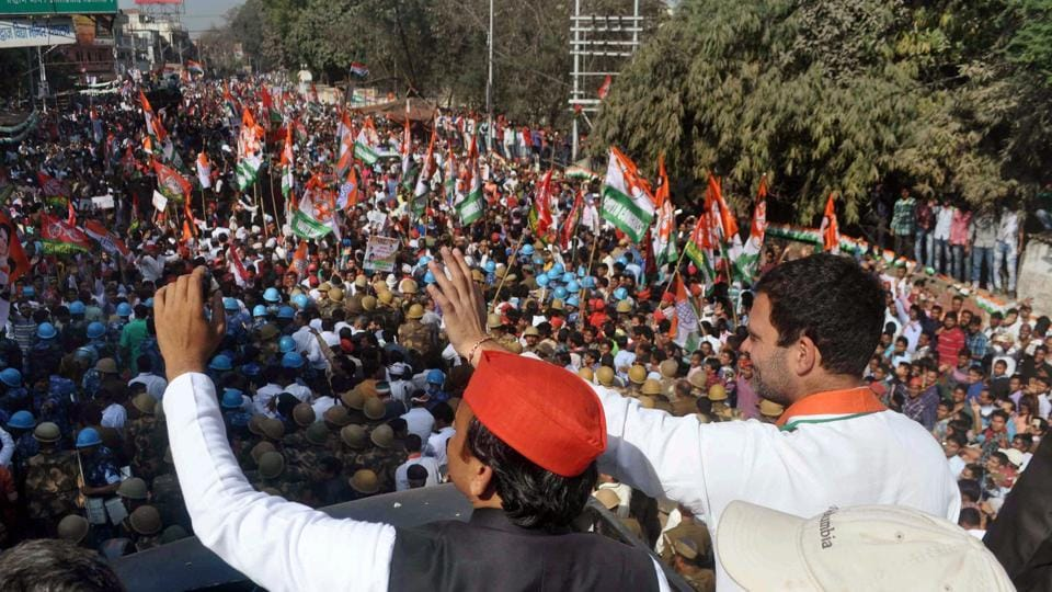 Uttar Pradesh chief minister Akhilesh Yadav and Congress vice-president Rahul Gandhi during an election campaign in Allahabad on Tuesday.