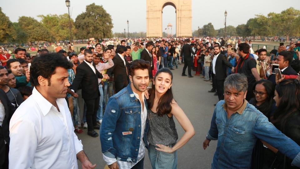 Actors Alia Bhatt and Varun Dhawan promote Badrinath Ki Dulhania at India Gate. (IANS)