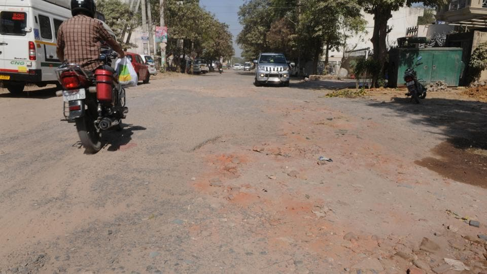 The internal roads in Sushant Lok were last repaired six years ago, according to residents.