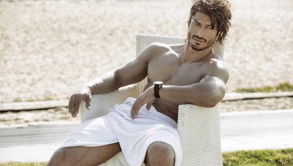 Vidyut Jammwal says  not to follow what people say is the right path.