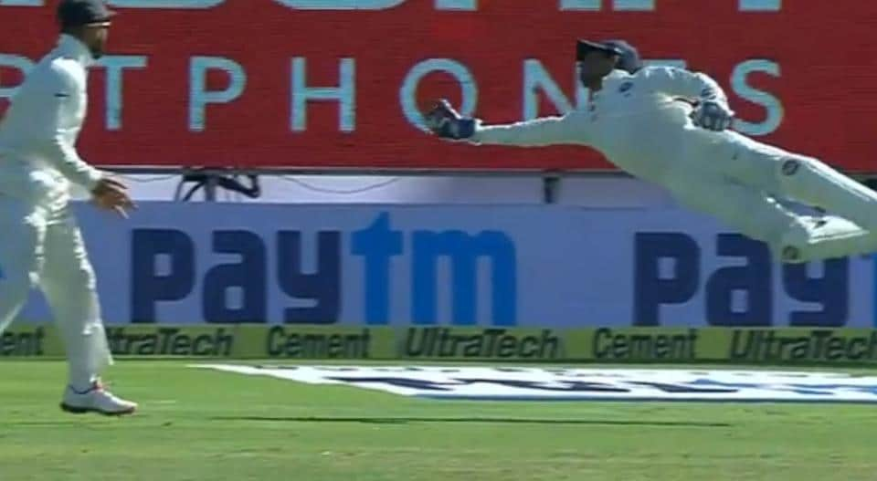 Wriddhiman Saha takes a brilliant catch of Steve O'Keefe on the first day of the 1st Test against Australia.