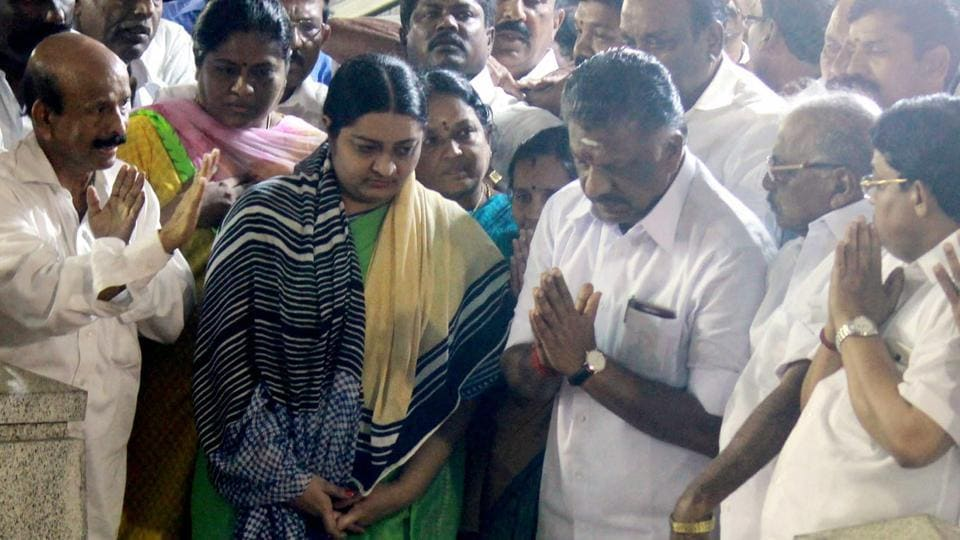 Deepa Jayakumar, former Tamil Nadu chief minister J Jayalalithaa's niece,  with O Panneerselvam at the memorial of her aunt in Chennai