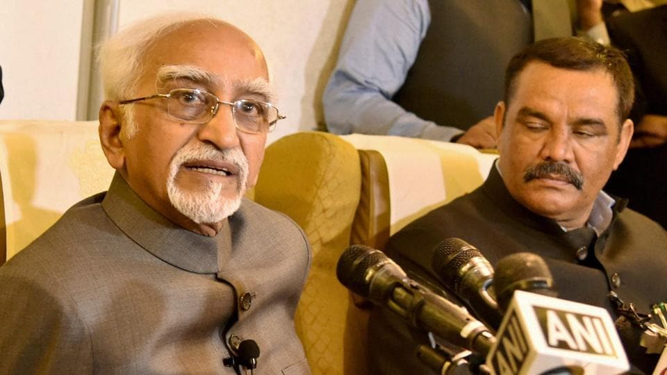 Vice President Hamid Ansari interacts with media on board his special flight while returning back from Rwanda and Uganda visit on Friday, Feb 24, 2017.