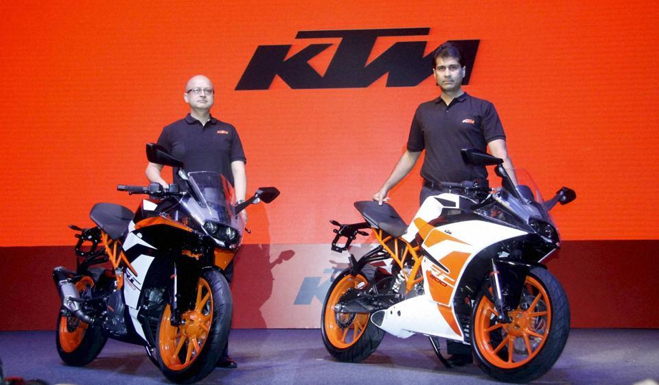 ktm launches duke 390 250 and 200 in bs iv variants autos bike
