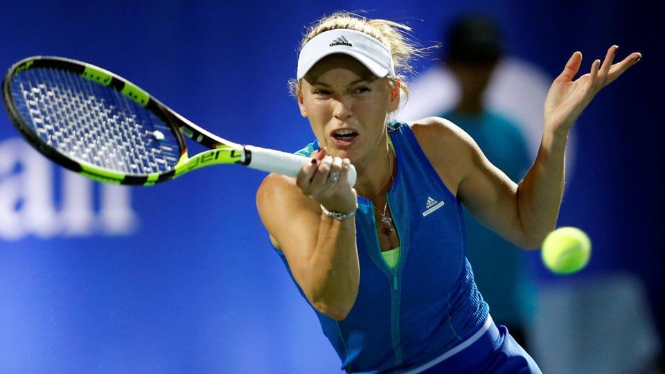 Carolina Wozniacki will face Angelique Kerber or Elina Svitolina in the Dubai Open final.