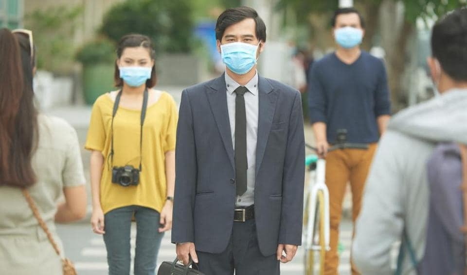 Inhaling ozone makes lungs more susceptible to infection, putting children, people who are physically active during the day, persons over 65 years and people with chronic lung diseases at risk.