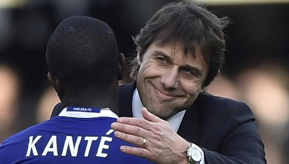 Chelsea FCmanager Antonio Conte and N'Golo Kante celebrate after beating Southampton in Premier League.