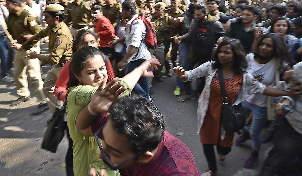 Clash broke out between activists of ABVP, AISA and other students from the Delhi University in New Delhi, India, on Wednesday, February 22, 2017. (Photo by Raj K Raj/ Hindustan Times)