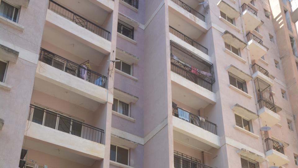 Suicide,8th floor,Khelgaon