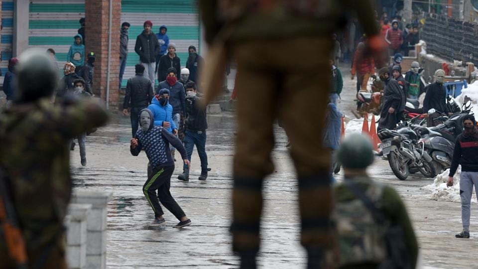 Kashmiri protestors throw stones towards security forces during a clash in January. Former home minister P Chidambaram said he had a sinking feeling that India had nearly lost Kashmir due to the use of excessive force by the security forces to crush dissent there.