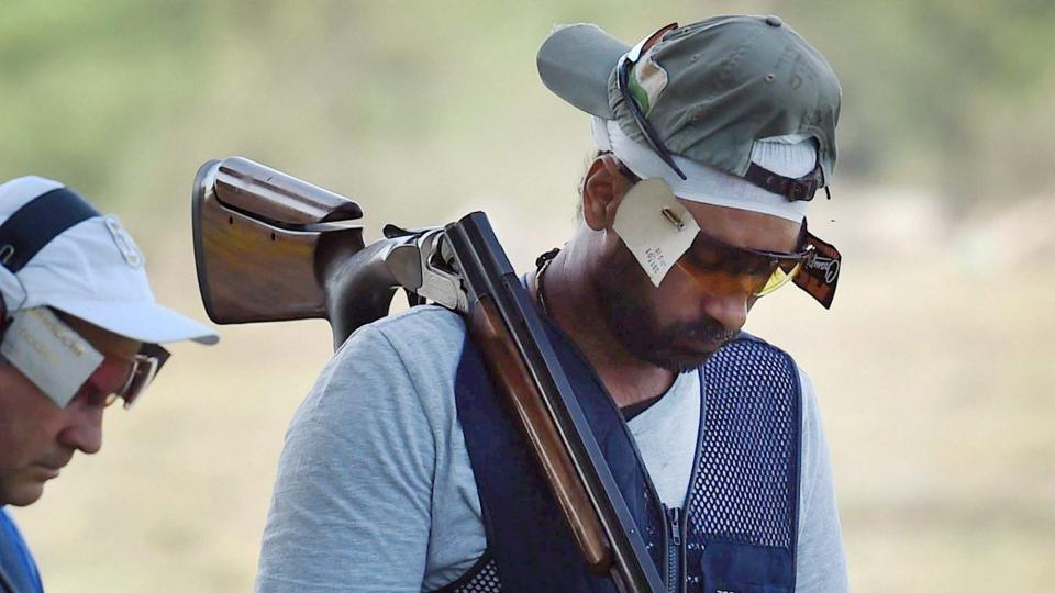 India's Zoravar Singh Sandhu  had a good start, as of the six shooters in the final of the men's trap event he was in the top three till the halfway stage with a score of 21/25. He missed two shots in the second half and that ended his dreams of winning at least a bronze in the International Shooting Sport Federation (ISSF) World Cup at the Dr. Karni Singh Shooting Ranges on Saturday.