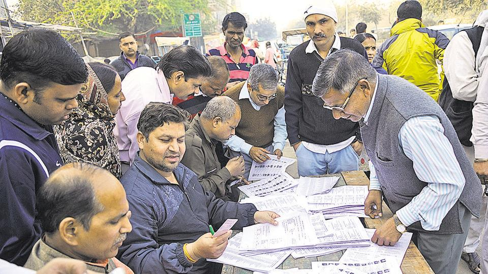 There were complaints from thousands of voters across Noida city that their names were not in the voters' list.