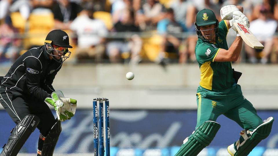 AB de Villiers tops 9 000 ODI runs