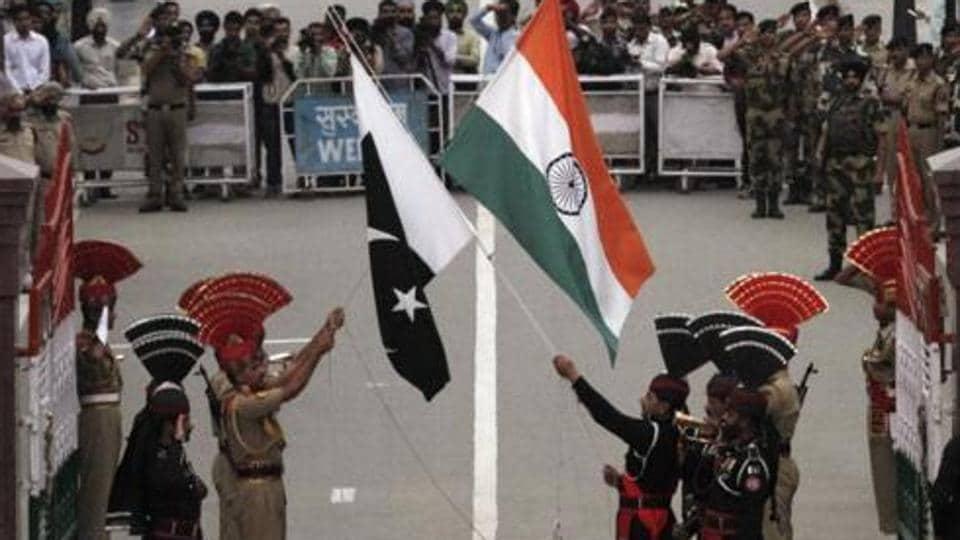 BSF,Pakistani man,Indo-Pak border