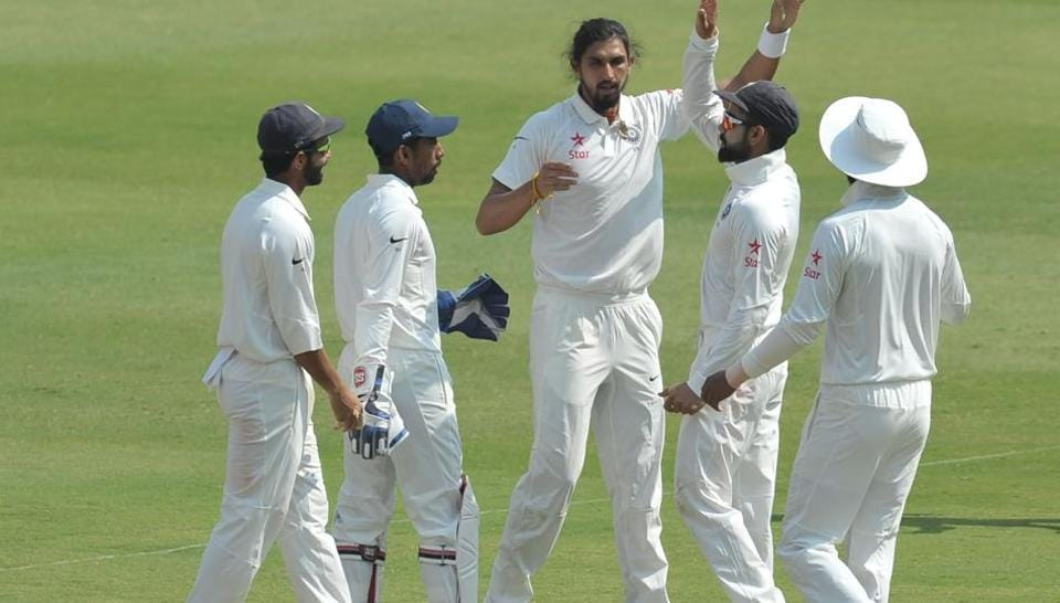 Ishant Sharma (C) could not take a single wicket in the first India vs Australia Test.