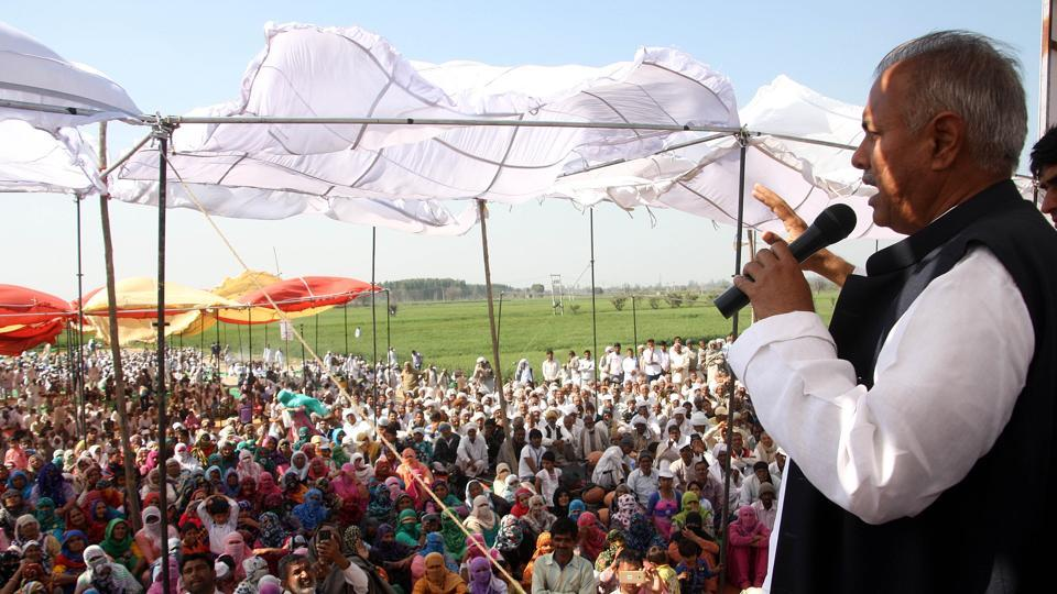 The Jat leader Yashpal Malik had earlier asked the community members to stop paying electricity, water bills and repayment of loans to government agencies from March.