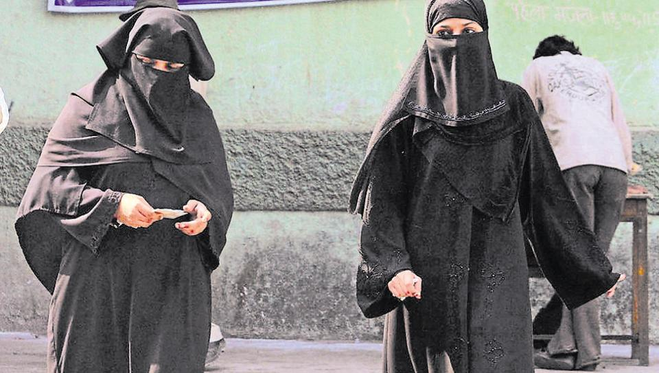 Shamael al-Nur  had written an article about how the state is imposing dress codes for women and how people should pray.