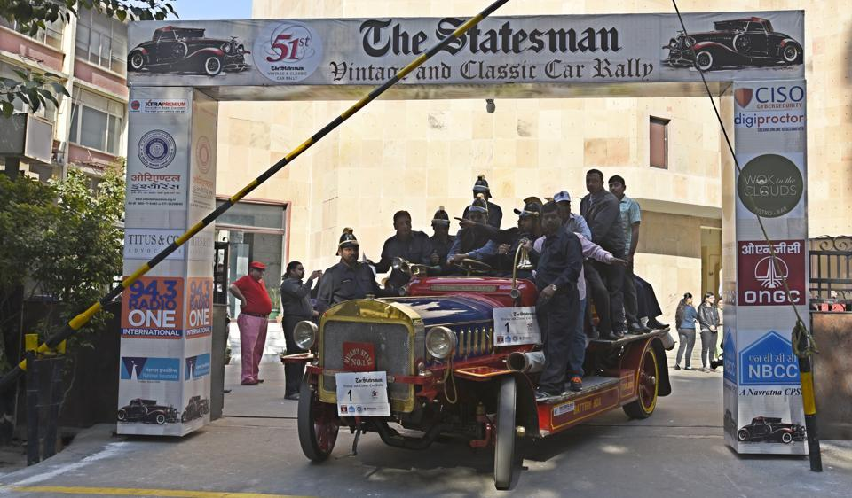 With the 1914 John Morris vintage rail car rolling out on Sunday morning began the 51st Statesman Vintage and Classic Car Rally in New Delhi. Flagged off by NDMC chairperson Naresh Kumar. (Sonu Mehta/HT PHOTO)