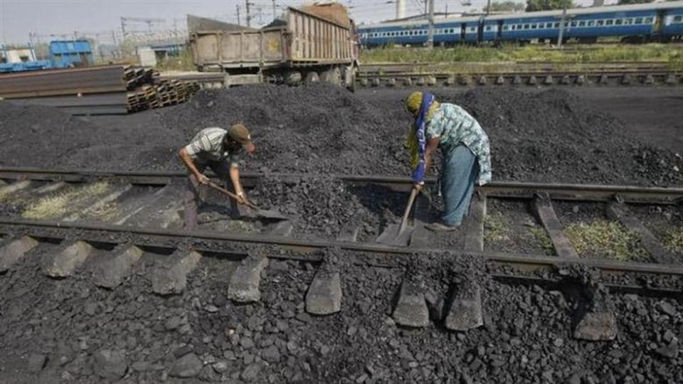 A major train accident was averted in Jharkhand's Sahebganj  on Monday morning(eastern railway), as 44 peddles were found open near Balbanna village.