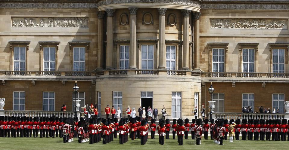 Buckingham Palace,Queen Elizabeth II,A R Rahman